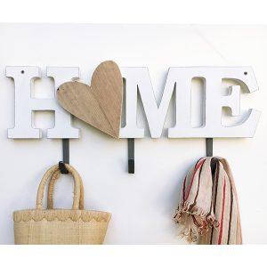 Scritta HOME e cuore fatta a mano in legno con ganci appendiabiti