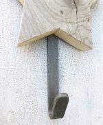 Gancio in ferro per appendiabito con stella in legno di recupero fatta a mano