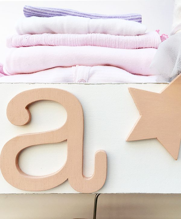 Appendiabiti con nome di bambini