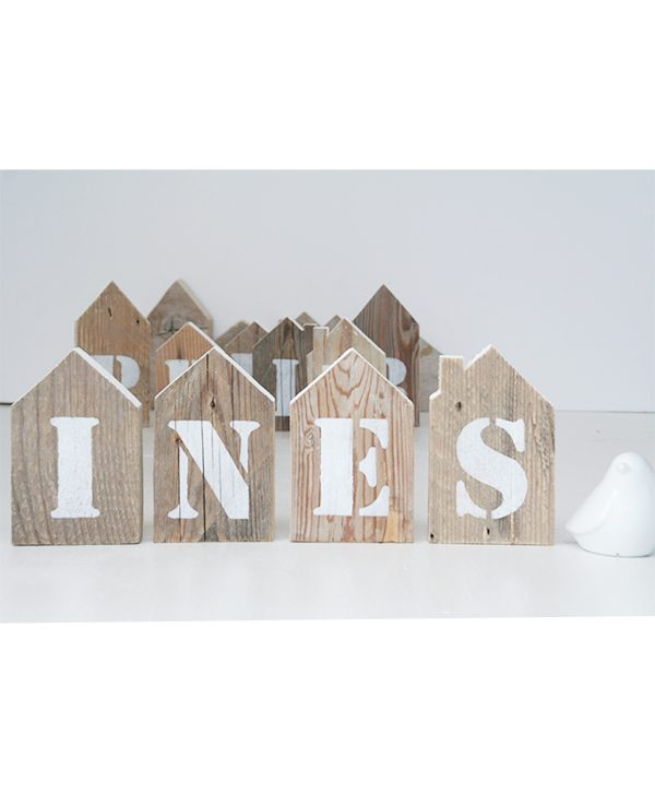 Nome personalizzabile dipinto su casette in legno di recupero rustiche