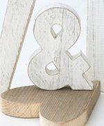 & e cuore in legno di recupero