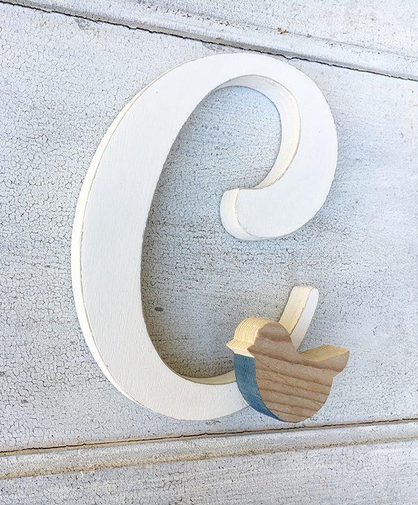 lettera in legno per bambino