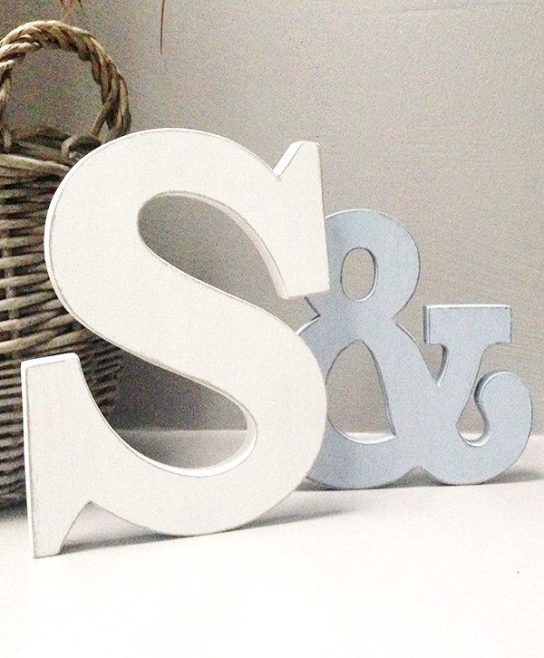 Lettere in legno con & per matrimonio
