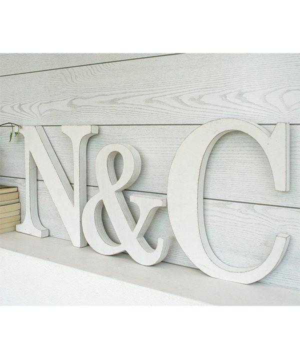 Iniziali in legno bianco personalizzate