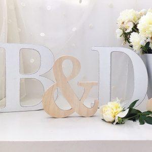 Iniziali per matrimonio in legno di betulla