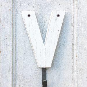 Originale appendiabito con lettera in legno fatta a mano
