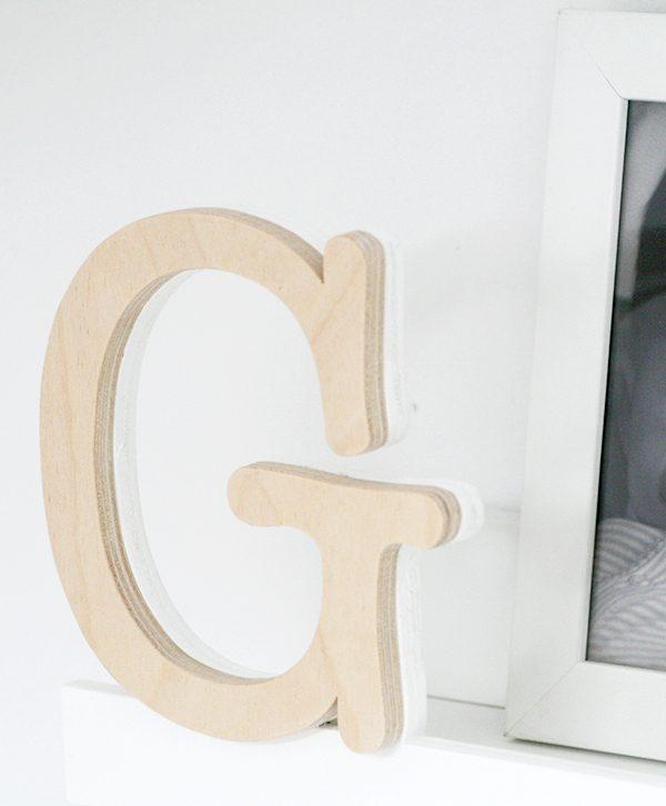 lettera in legno per arredi personalizzati per la camera dei bambini