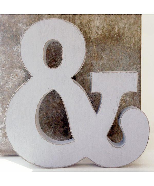 Lettere e numeri in legno colorato