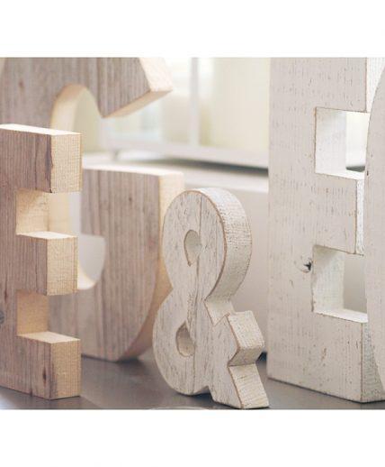 Lettere in legno di recupero naturale e sbiancato