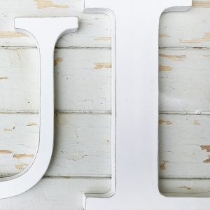 Lettere in legno per una casa in stile shabby