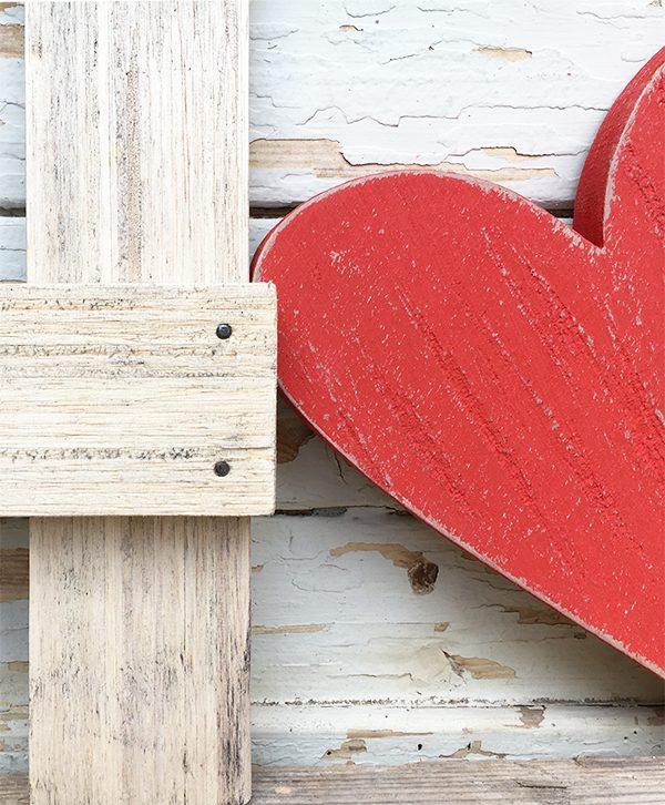Lettere e cuore in legno di recupero per scritte boho chic fatte a mano e originali