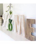 Scritta HOME in legno di recupero sbiancato e naturale con uccellino