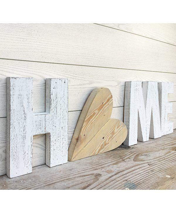 Scritta HOME in legno di recupero con cuore fatta a mano e personalizzabile