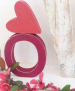 Lettera in legno con cuore per scritta love