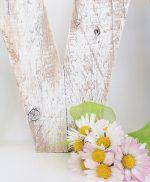 Lettera per scritta love in legno di recupero sbiancata