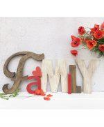 Scritta FAMILY in legno di recupero fatta a mano artigianalmente
