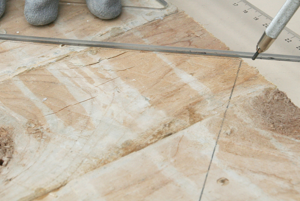 Disegno su assi di legno di recupero