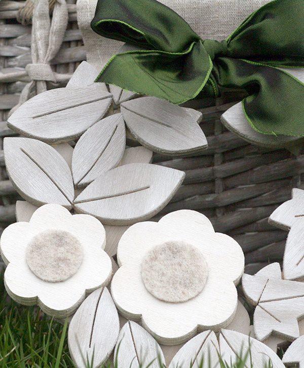 Margherite in legno fatte a mano in stile shabby
