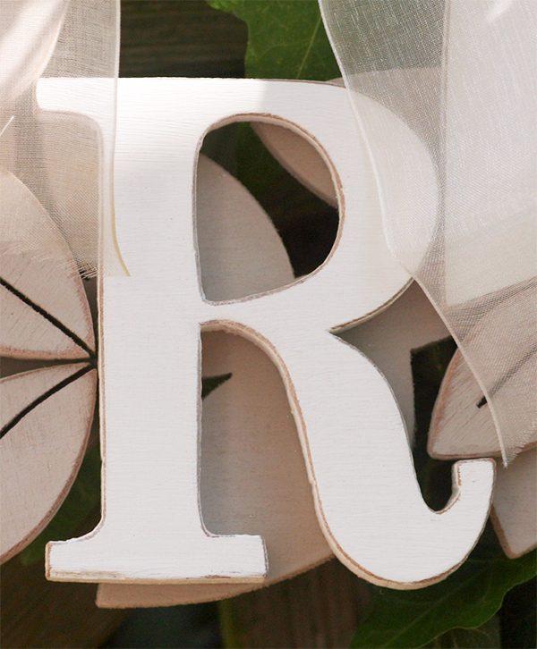 Lettere in legno per ghirlanda da matrimonio in stile boho chic