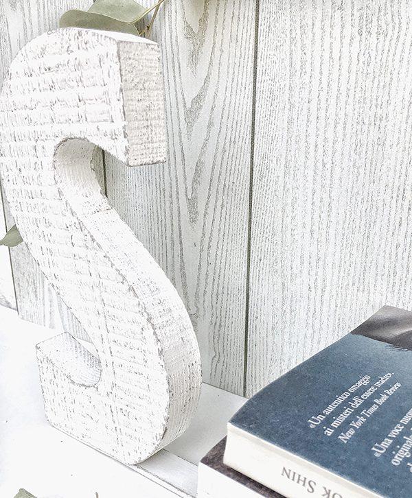 Fermalibro personalizzabile con lettera in legno di recupero sbiancato