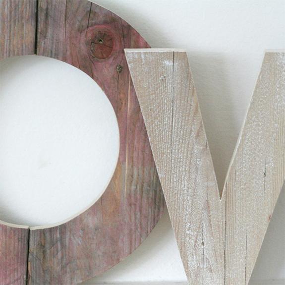 Scritta LOVE in legno fatta a mano e personalizzabile