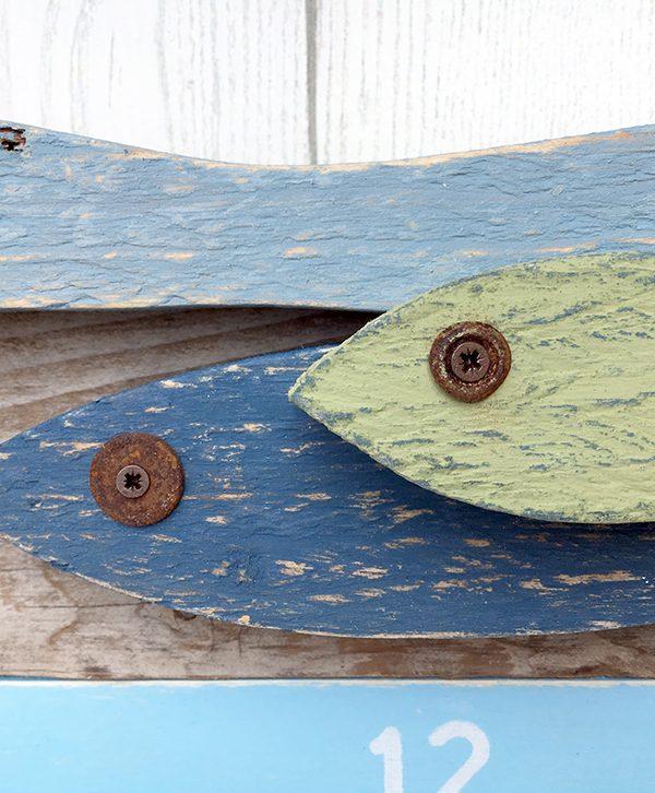 Pesci in legno di recupero per la casa al mare