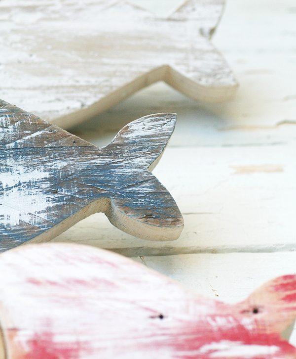 Pesci in legno di recupero colorati a mano e personalizzabili nella scelta del colore