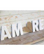 Scritta AMORE con cuore in legno fatta a mano e personalizzabile