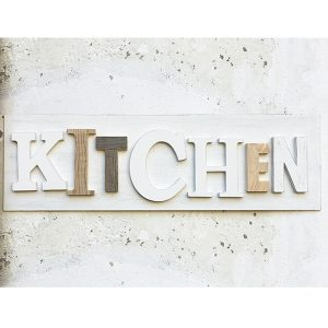 Scritta KITCHEN in legno da appendere in cucina