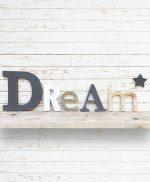 Scritta Dream con stella in legno personalizzabile nei colori e nelle dimensioni