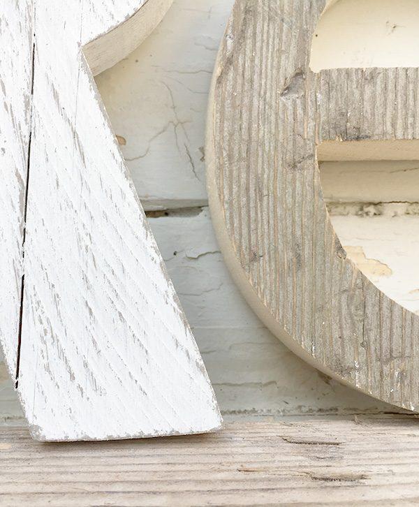Lettere in legno di recupero naturali e sbiancate