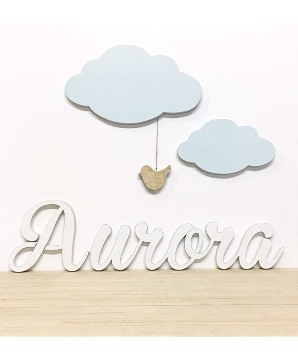 Nome bambini in legno con nuvole e uccellino per decorare la cameretta