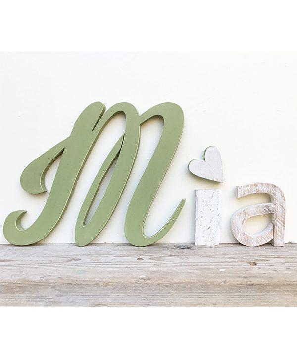 Lettere in legno per nome di bambina con cuore