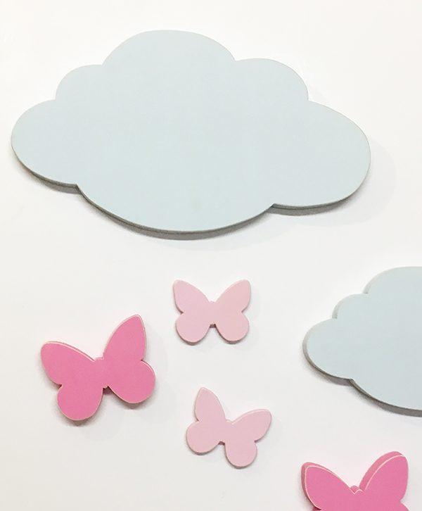 Nuvole e farfalle in legno colorato per la camera dei bambini