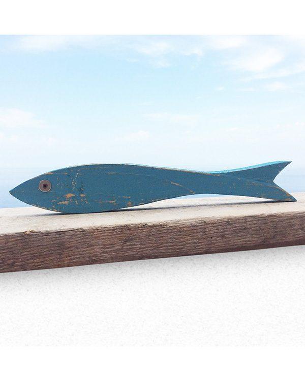 Acciuga in legno di recupero per la casa al mare