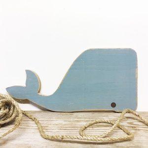 Balena decorativa in legno di recupero dipinto