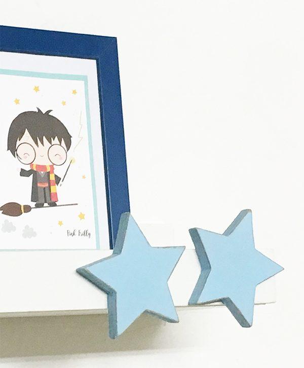 Mensola per camera bambini decorata con stelle