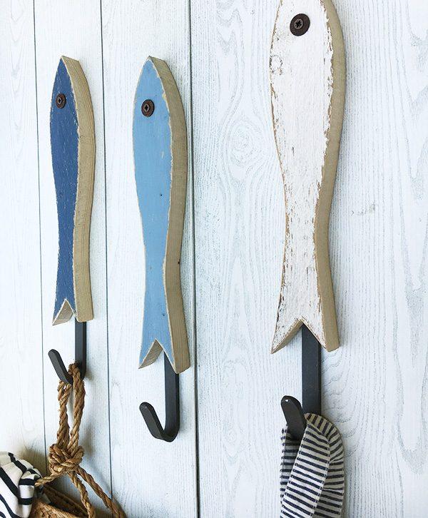 Acciughe in legno di recupero con gancio in ferro