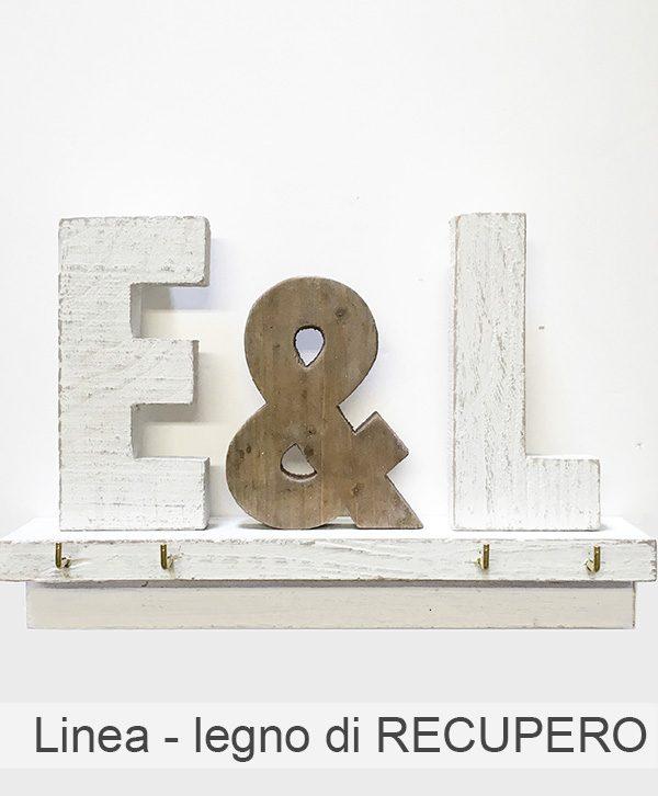 Mensola con lettere personalizzabili e con ganci portachiavi da parete in legno