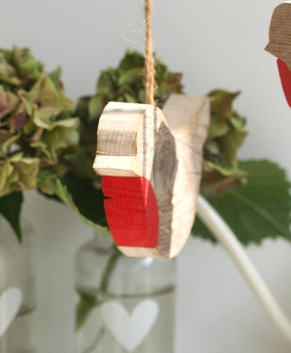 Pettirossi decorativi in legno di recupero in tre dimensioni a scelta personalizzabili