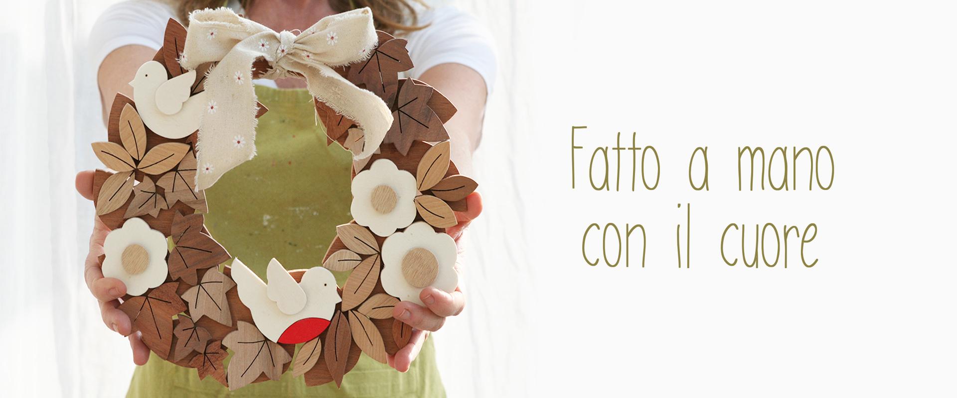 Ghirlanda in legno fatta a mano artigianalmente