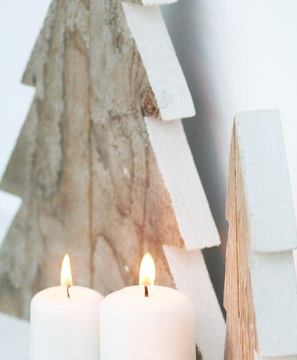 Abeti per decorare la casa a Natale in legno di recupero naturale