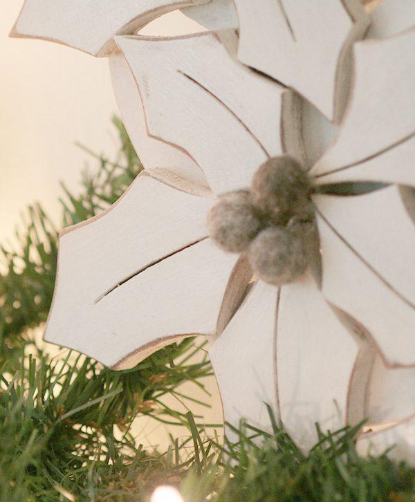 Agrifoglio in legno con bacche in feltro per ghirlande natalizie