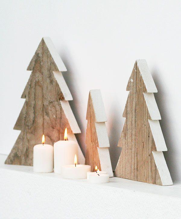 Alberi di Natale in legno di recupero di piccole dimensioni