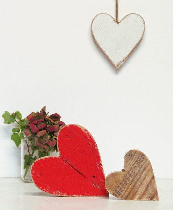 Cuori in legno di recupero naturale o colorati a scelta