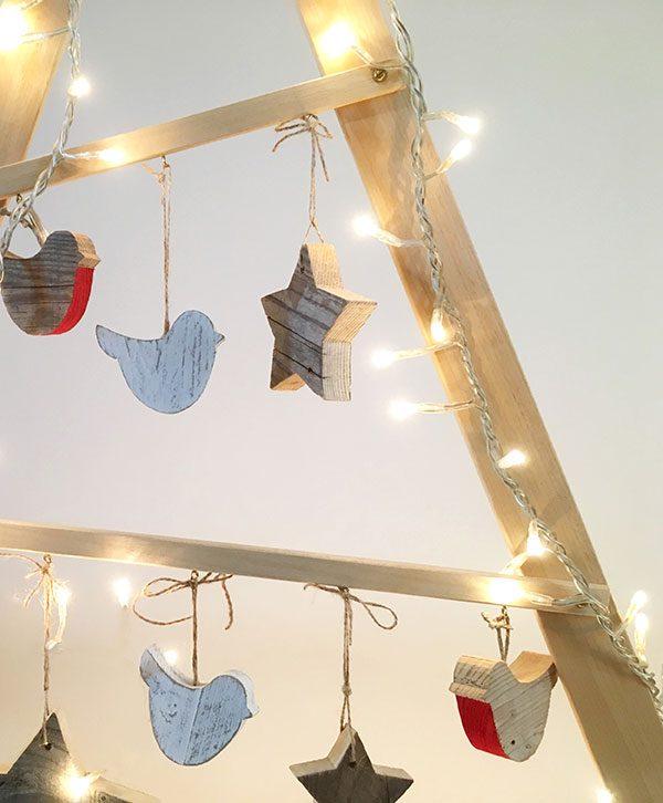 Decorazioni di Natale in legno di recupero naturale o colorato a scelta