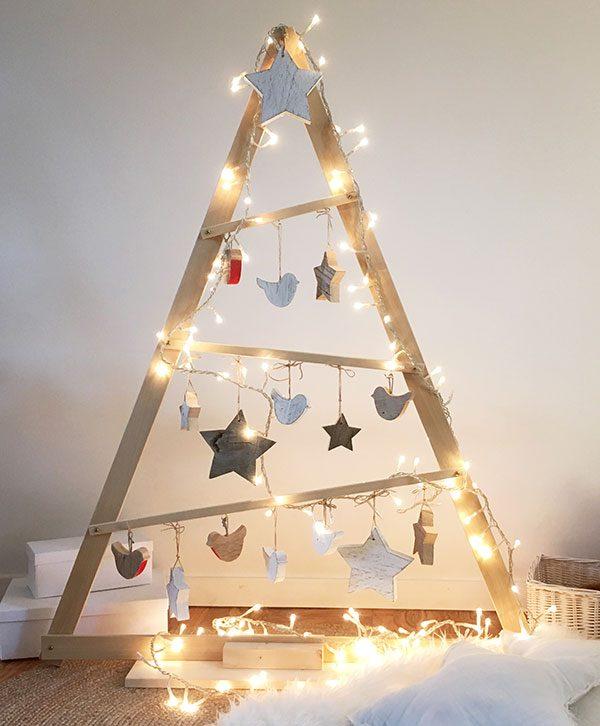 Alberi Di Natale Decorati Foto.Albero Di Natale A Triangolo In Legno Nuvole Di Legno