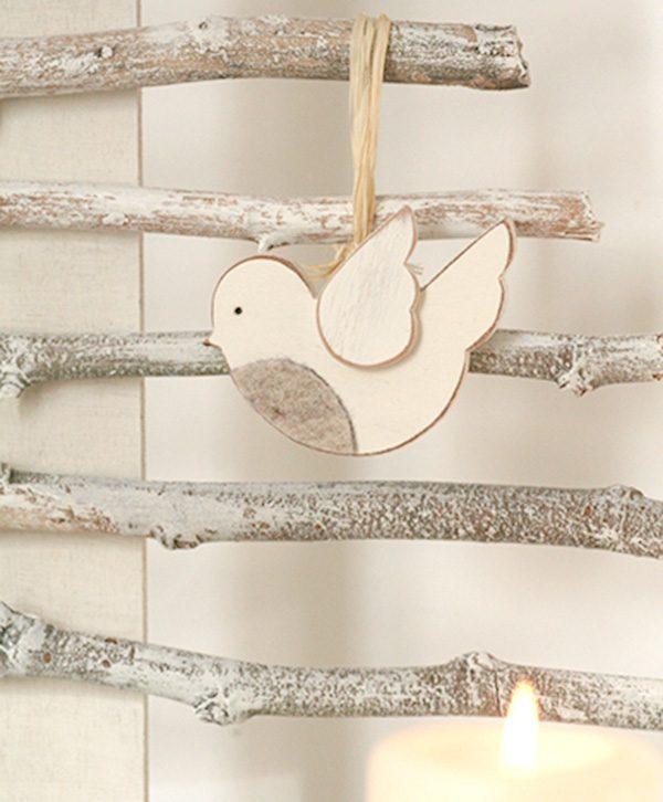 Pettirosso in legno con il petto in feltro per decorare la casa di Natale