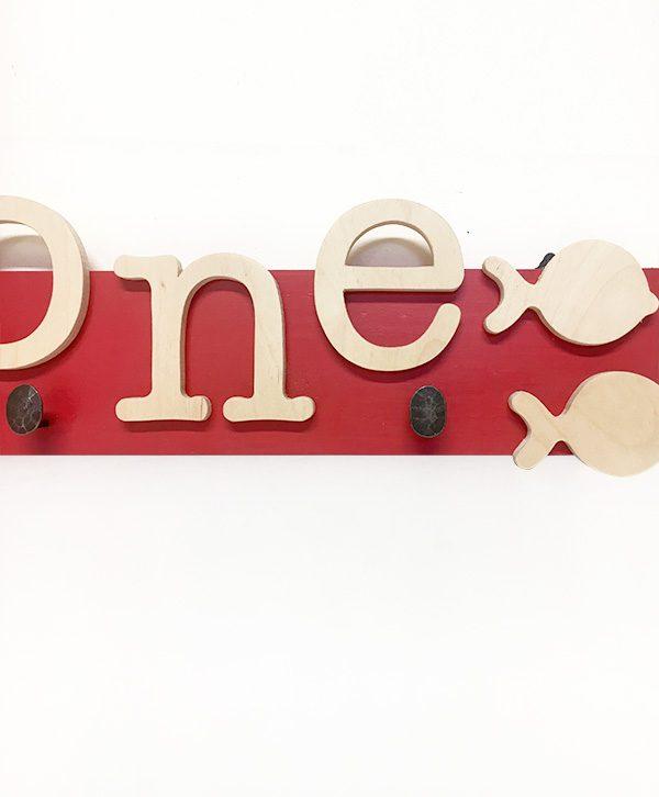 Appendiabiti in legno personalizzabile con nome