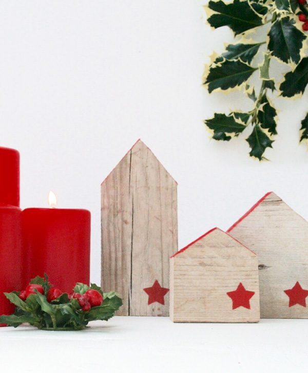 Casette natalizie decorative in legno di recupero